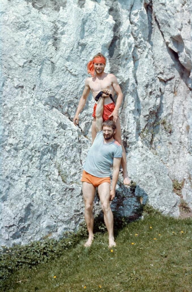 1984 - Dol. Bolechowicka - Piotrek Korczak trzymany przez T. Opozdę Fot. J. Ostaszewski